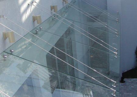 Козырек из закаленного стекла